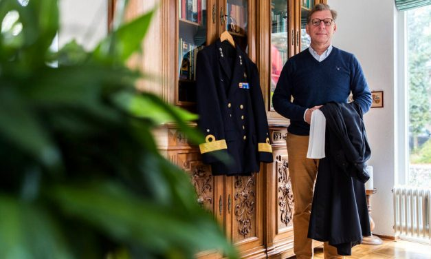 Secretaris gert souer met pensioen